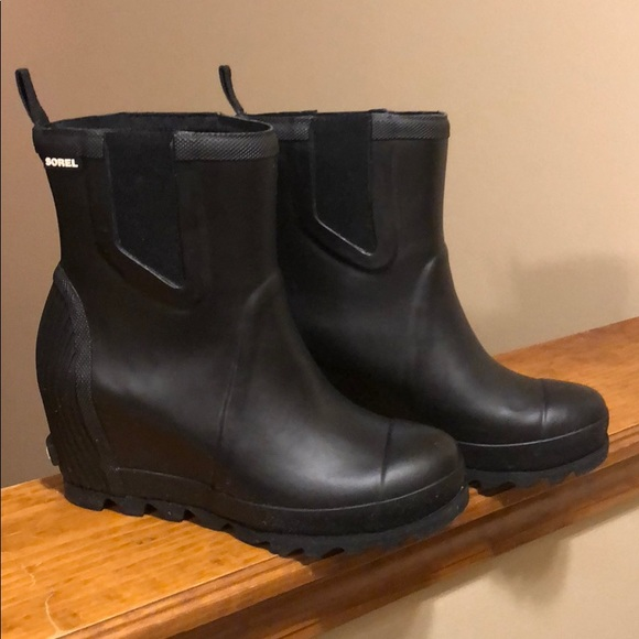 38c369bbebca Sorel Women s Joan Rain Wedge Chelsea Boot. M 5bc28158c9bf505a738b7397